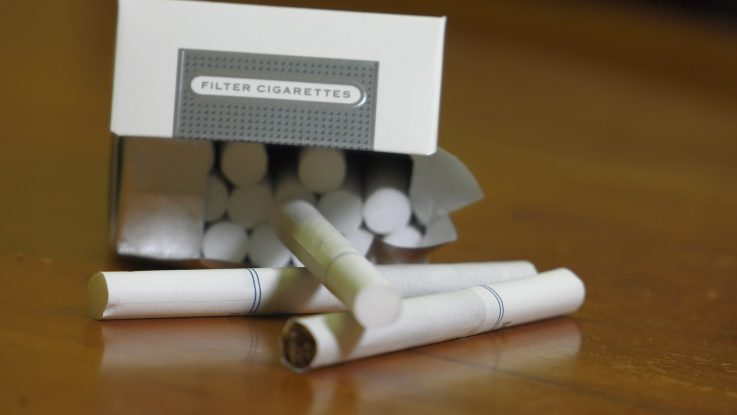 """As mounting evidence suggests that so-called """"light"""" cigarettes are contributing to an increase in deadly lung cancer cases, doctors are calling for tougher federal regulations."""